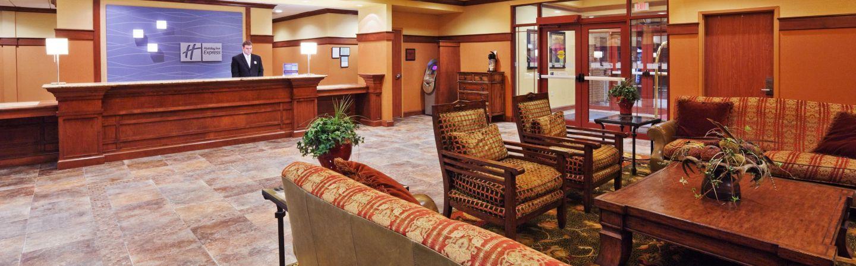 holiday inn express main lobby